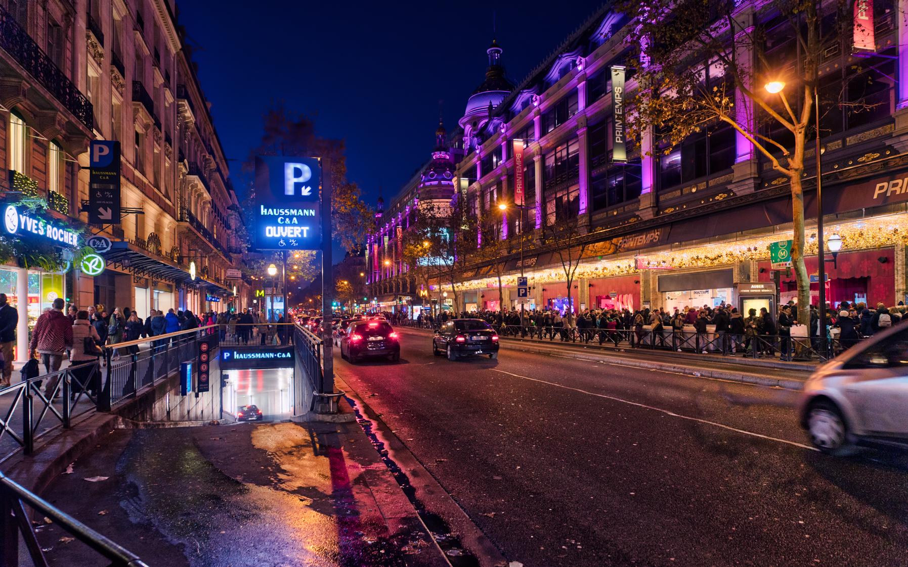 France-Paris-Christmas-street-scene-HDR1.jpg