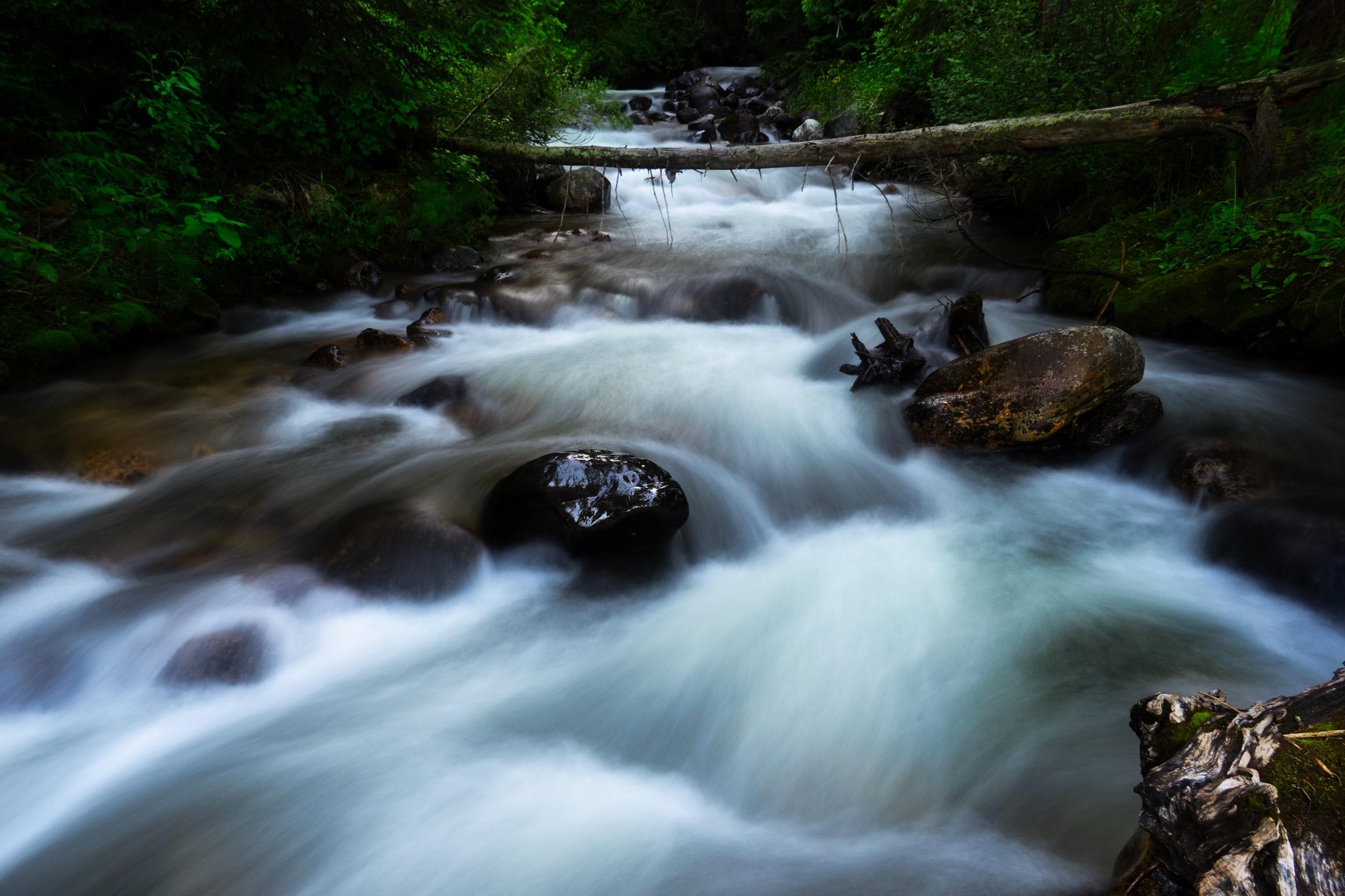 MT-creek-longexp-1.jpeg