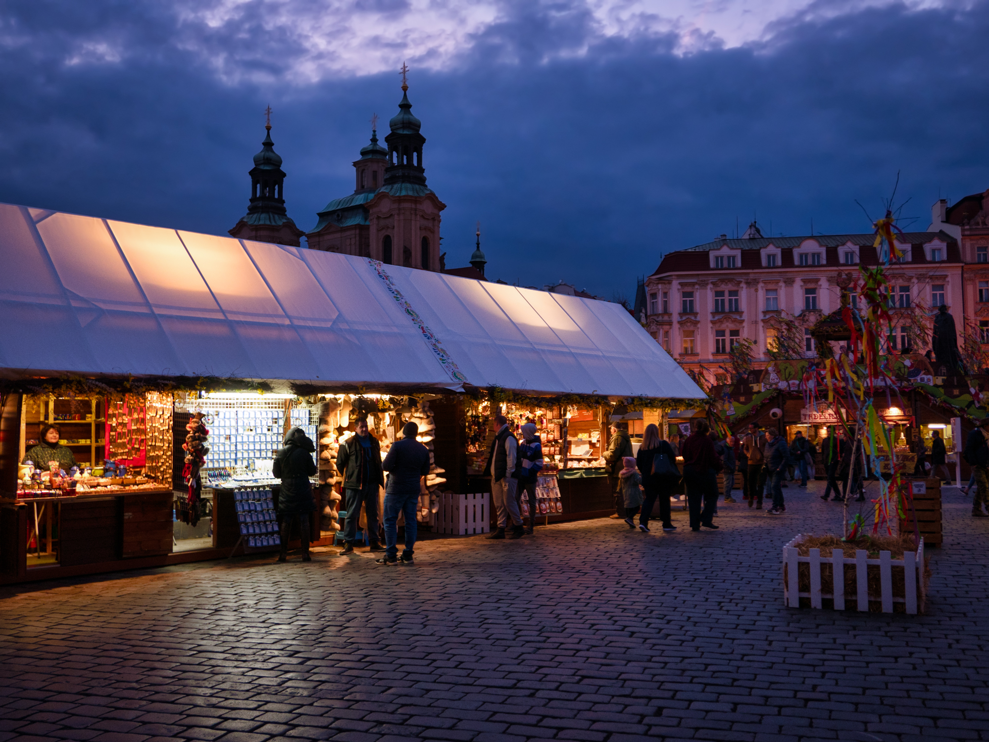 Prague-town-square-twlight-market.jpg
