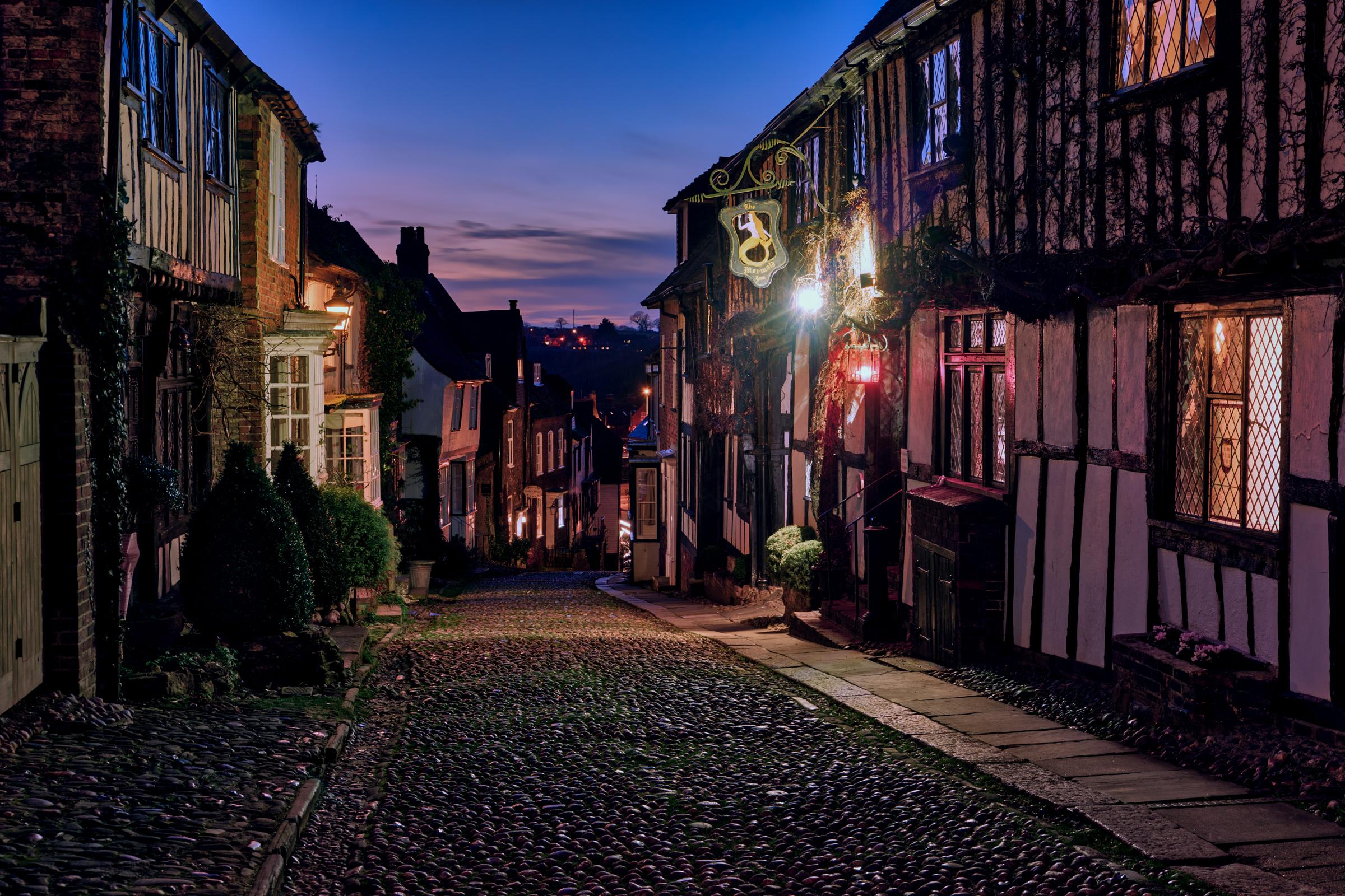 London-Jan18-Rye-Mermaid-Inn-HDR-blue-hour.jpg