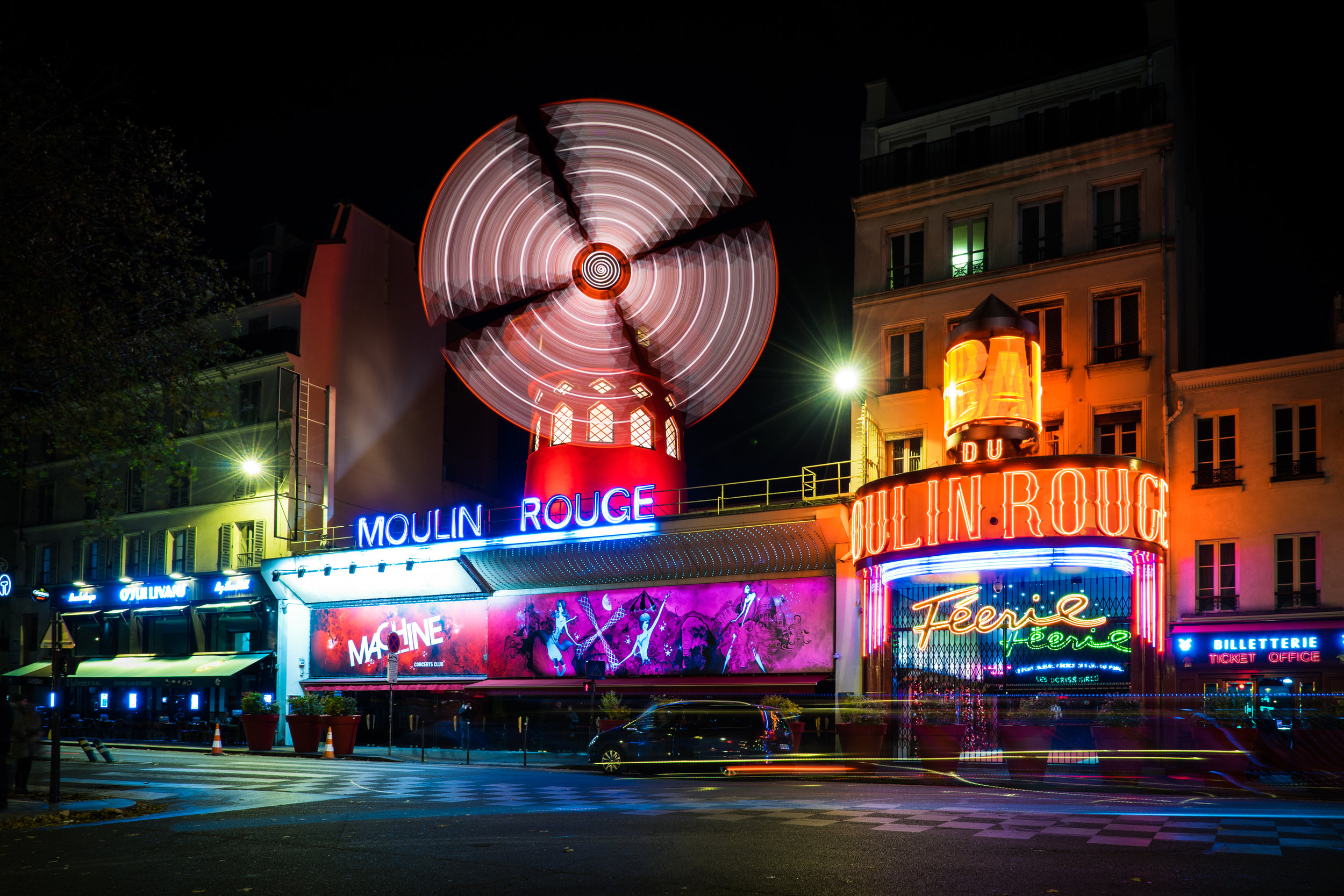 Paris-MoulinRouge.jpg