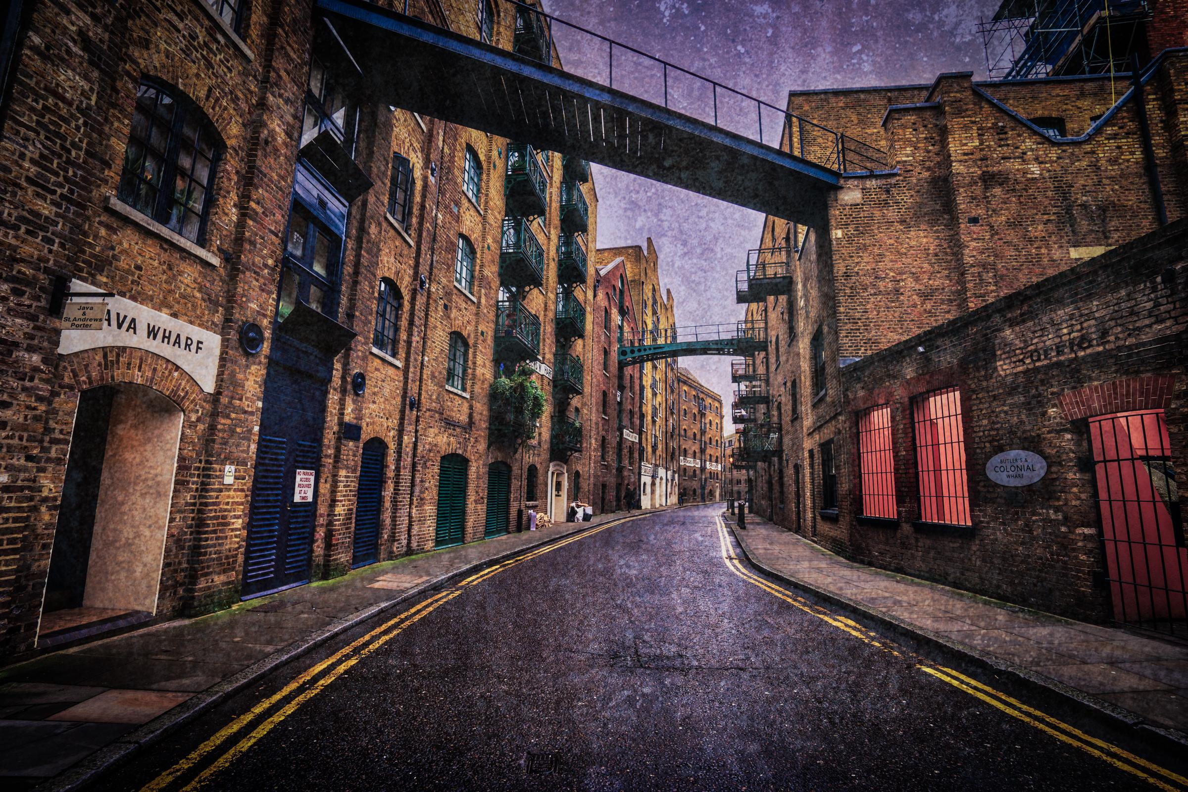 London-Shad-Thames-street-scene-texture1.jpg