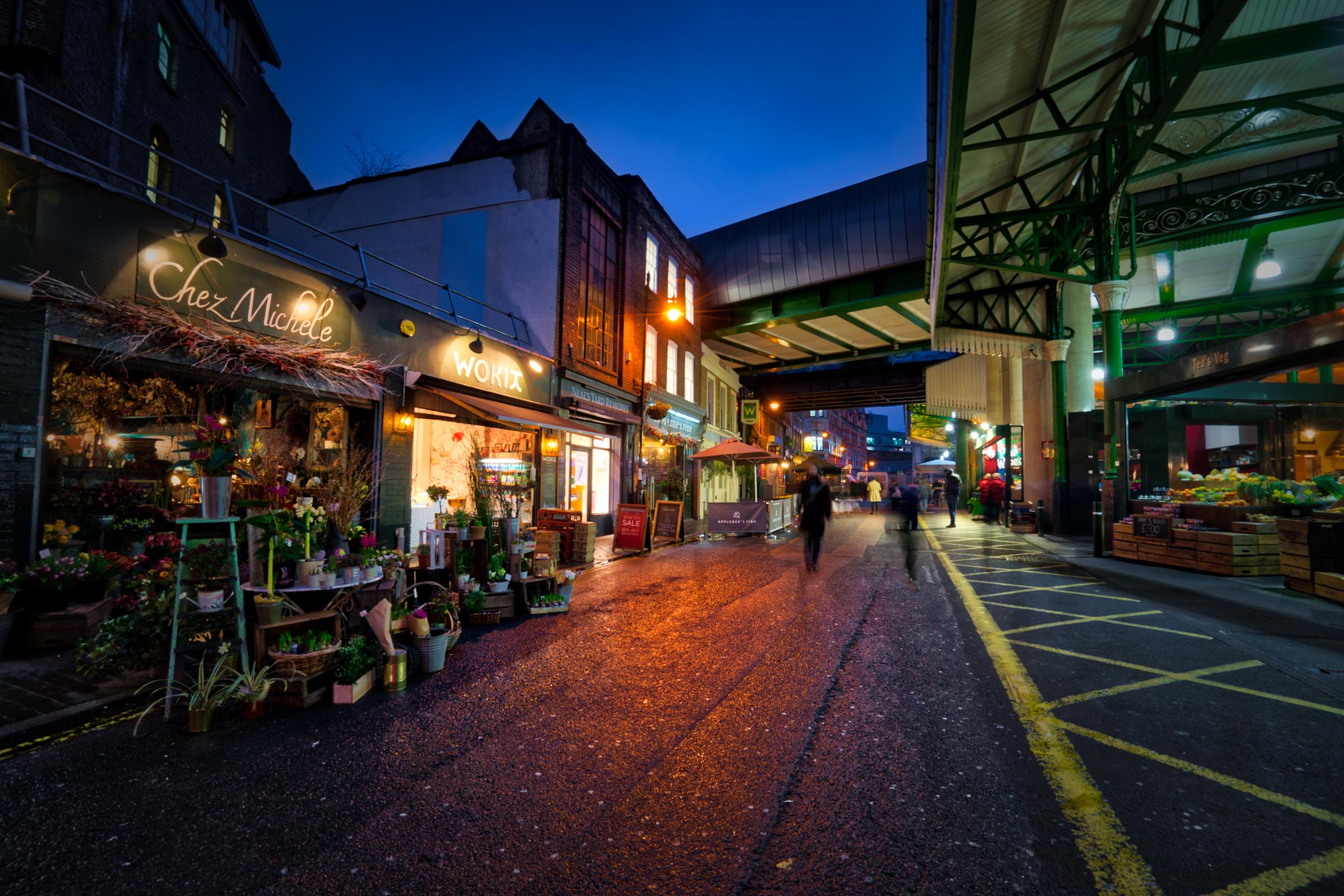 London-Borough-Market-stores-bluehour-HDR.jpg