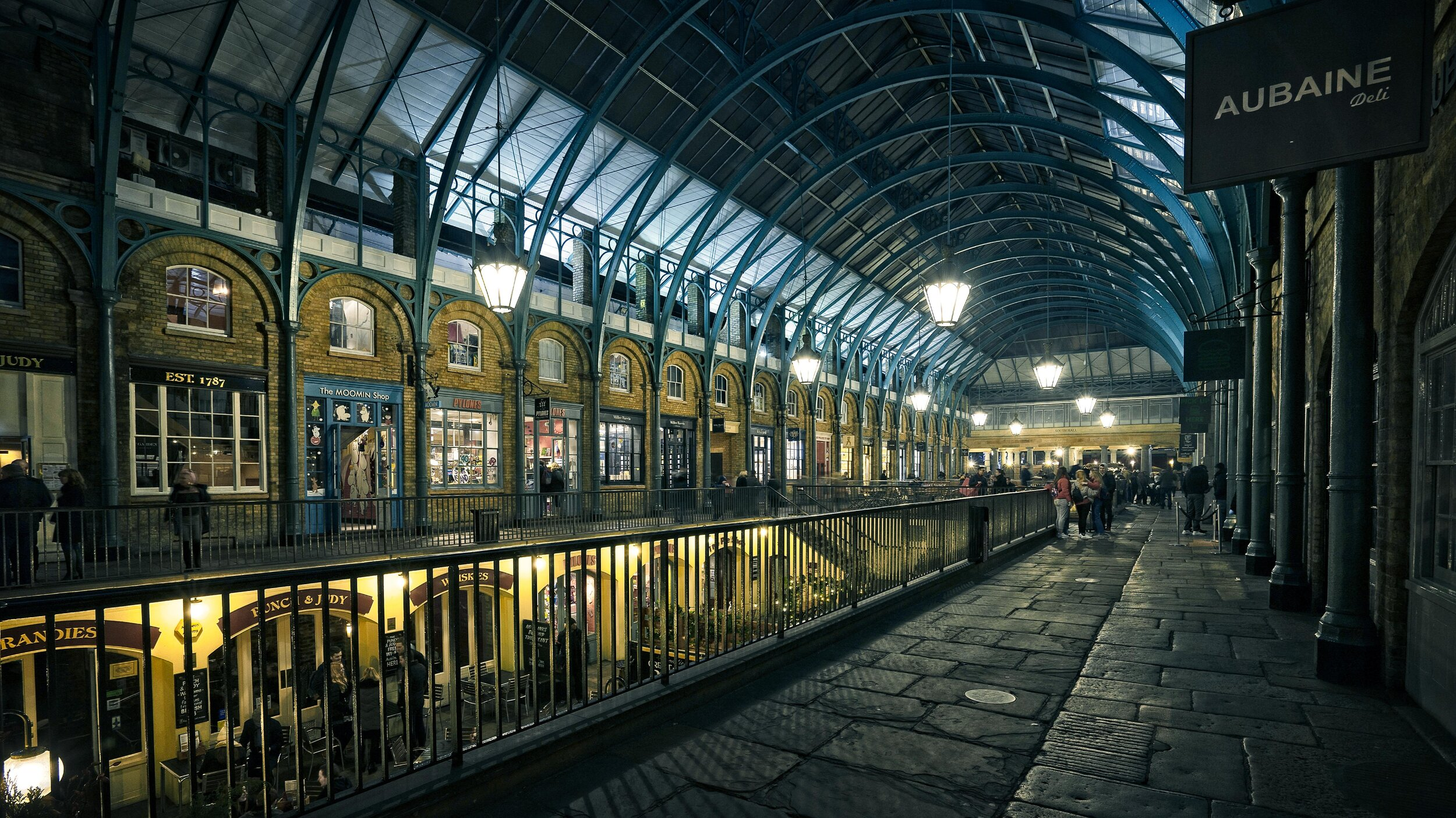 On1-Covent-Garden-pseudoHDR.jpg