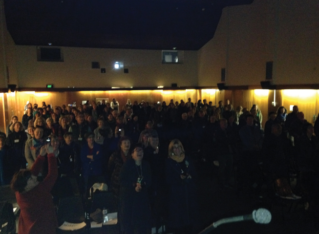 """Makers Move singing Walzing Mathilda at the """"JMGA Conference"""" together with the audience."""