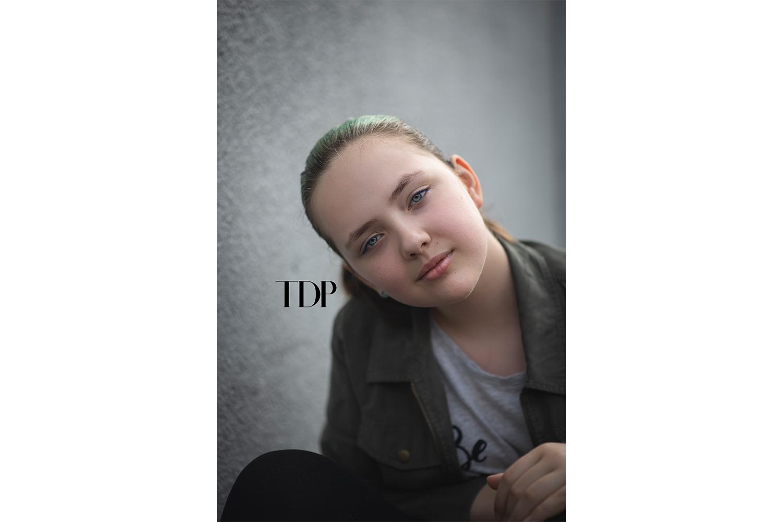 portraitphotographertween10.jpg