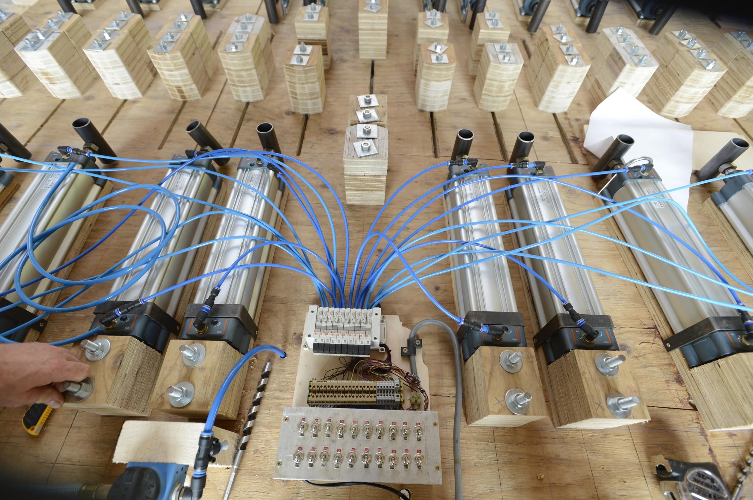 Hooke_Park_Design_&_Make_Timber_Seasoning_Shed_jig_for_bending_wood_VB_2013_07_18_0087.JPG