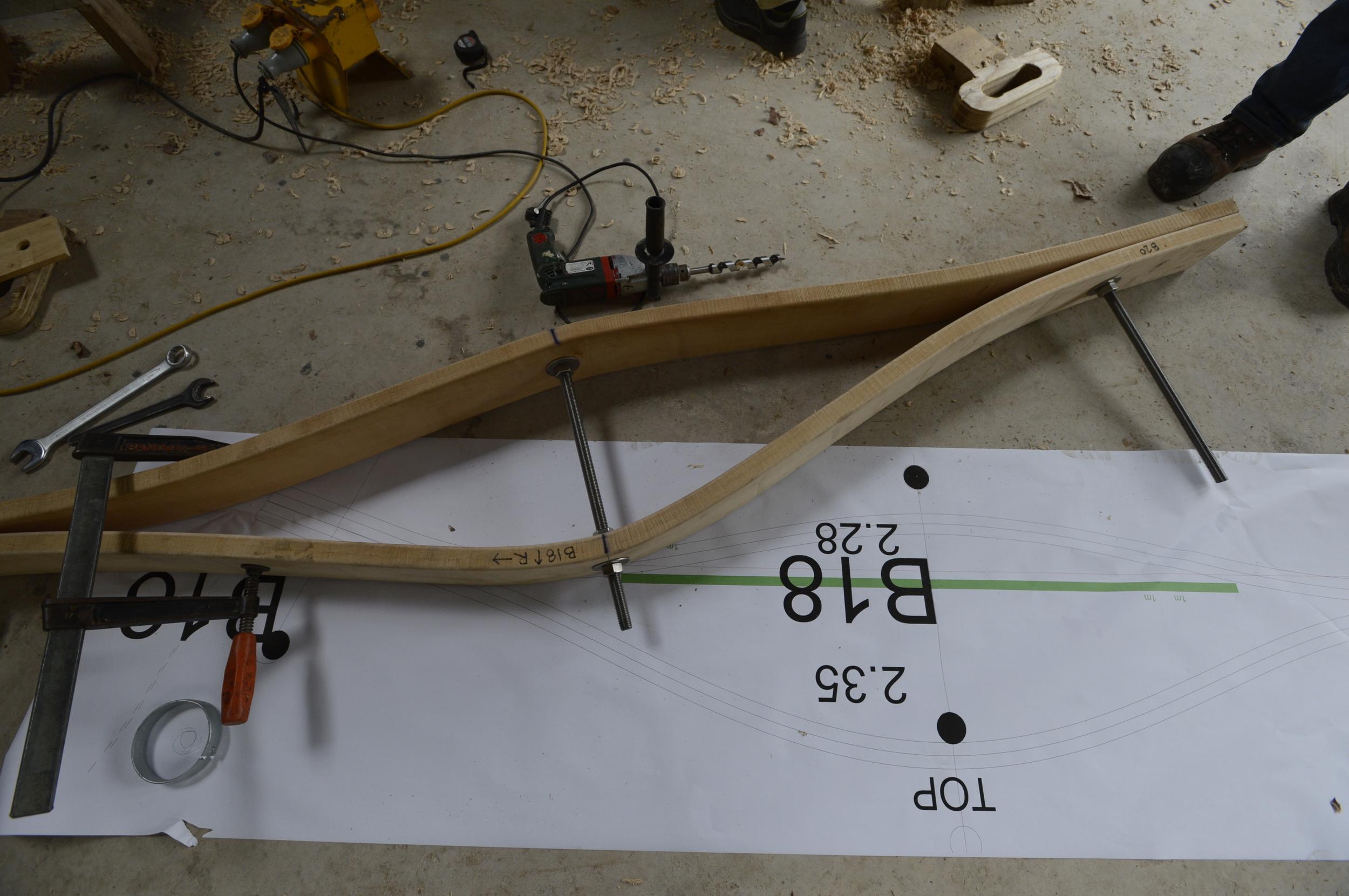 Hooke_Park_Design_&_Make_Timber_Seasoning_Shelter_bending_wood_on_the_jig_VB_2013_07_29_0089.JPG