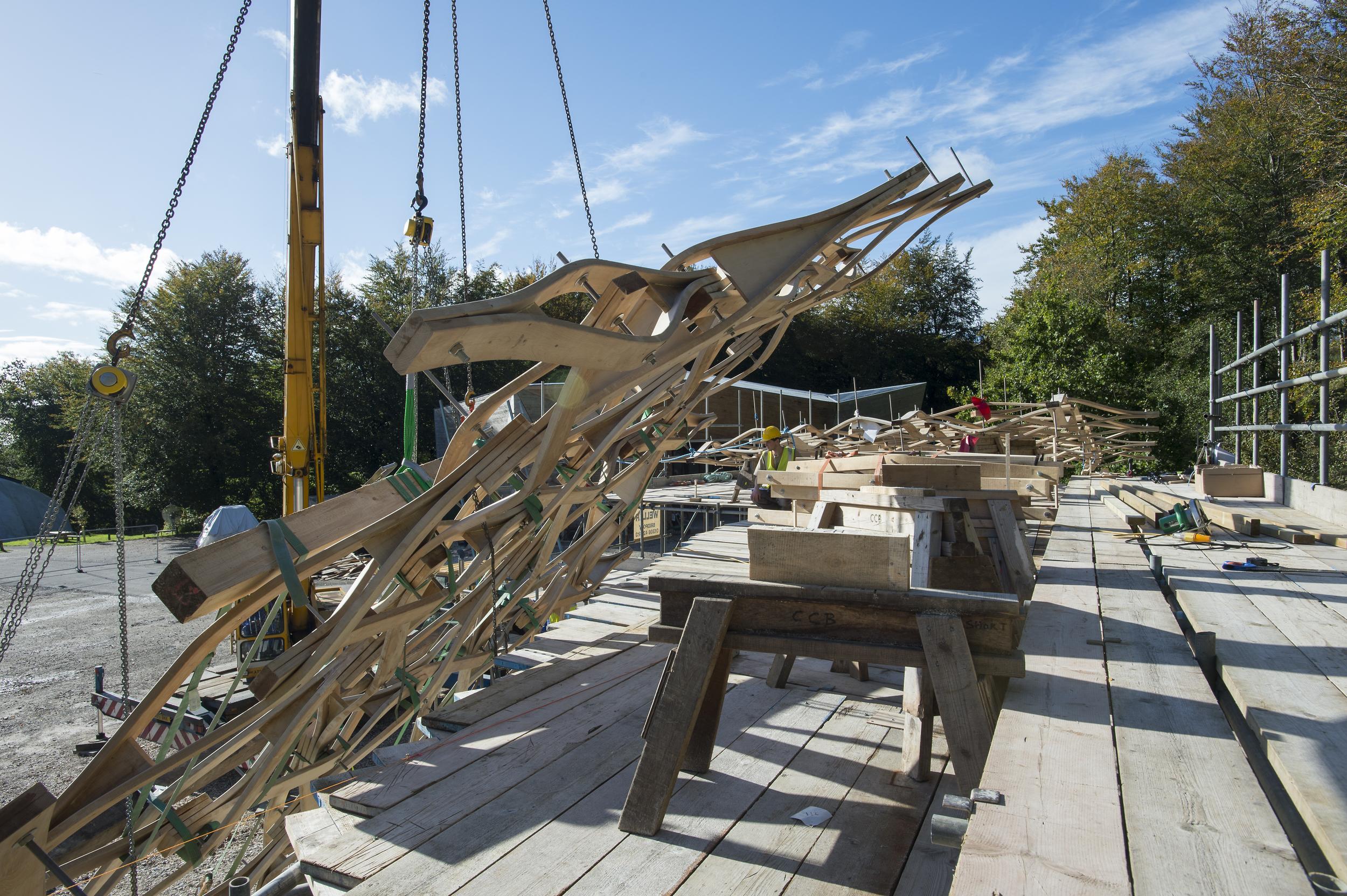 Hooke_Design_&_Make_Timber_Seasoning_Shelter_Canopy_Lift_VB_2013_10_23_0169.jpg