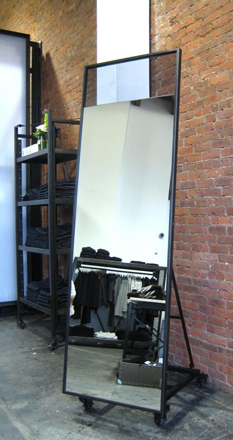 face-design-architecture-new-york-066-custom-steel-apc-surplus-retail-showroom-mirror.jpg
