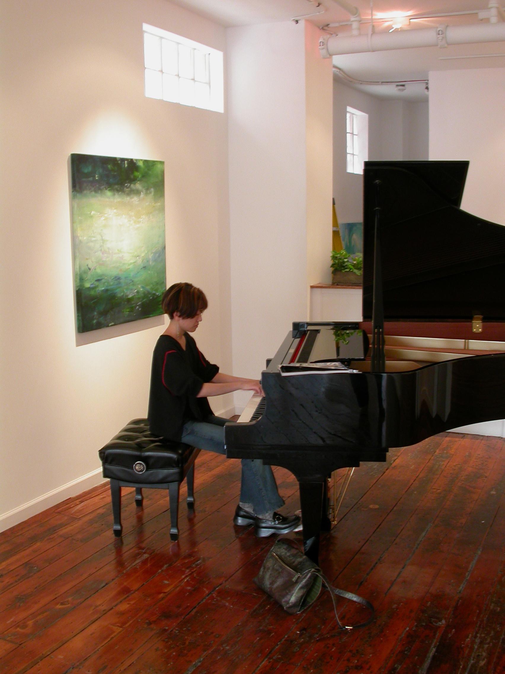 Rieko Aizawa, Steinway Artist practicing at Pentimenti Gallery