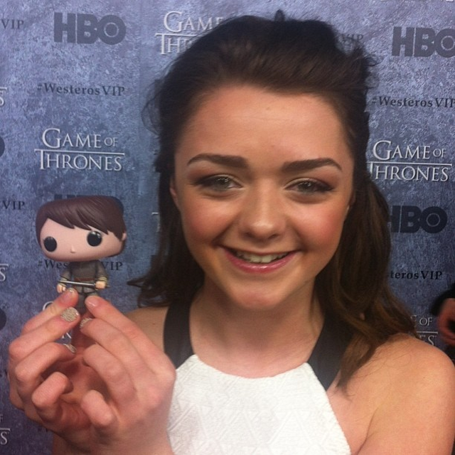 Maisie Williams is so cute with her Arya Stark !