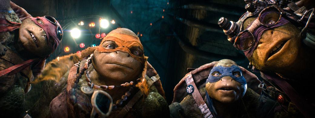 I really hate Donatello's glasses...
