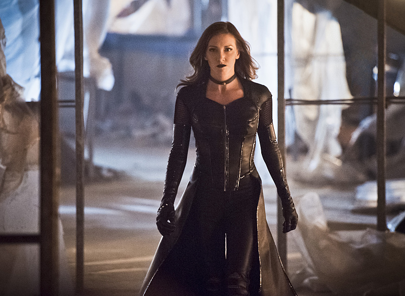 Katie Cassidy guest stars as Black Siren, the Earth 2 variant of the late Black Canary