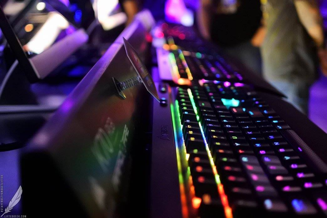 freaking love Corsair's sexy ass RGB keyboards!