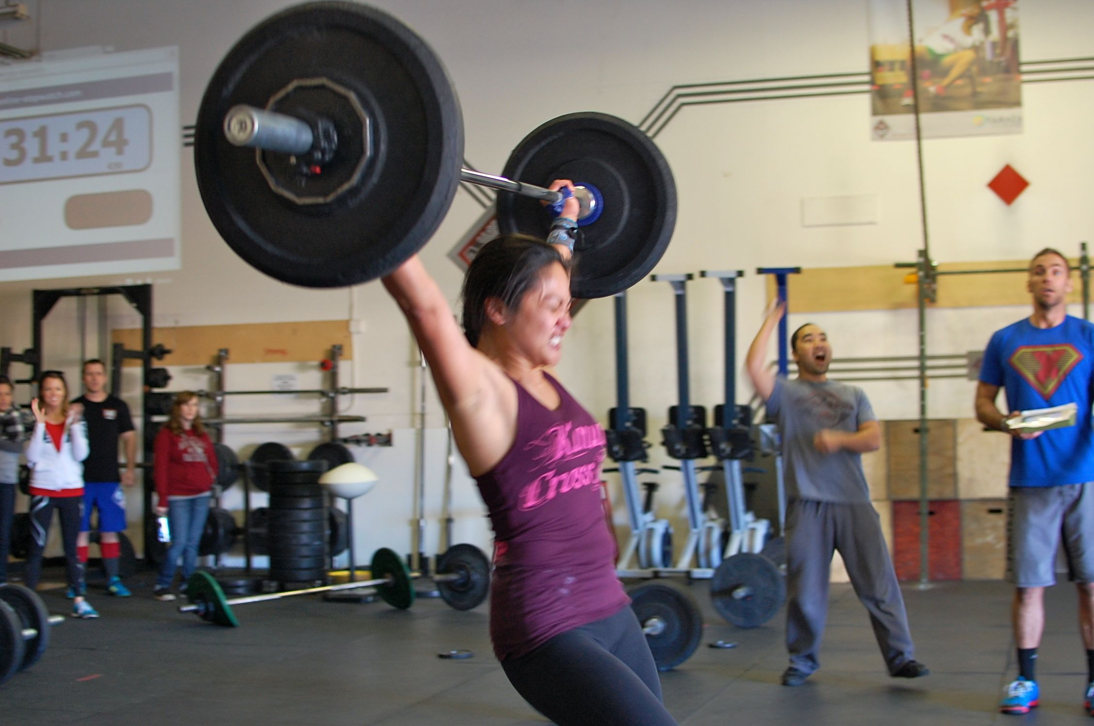 Chai hits her snatch PR during competition!