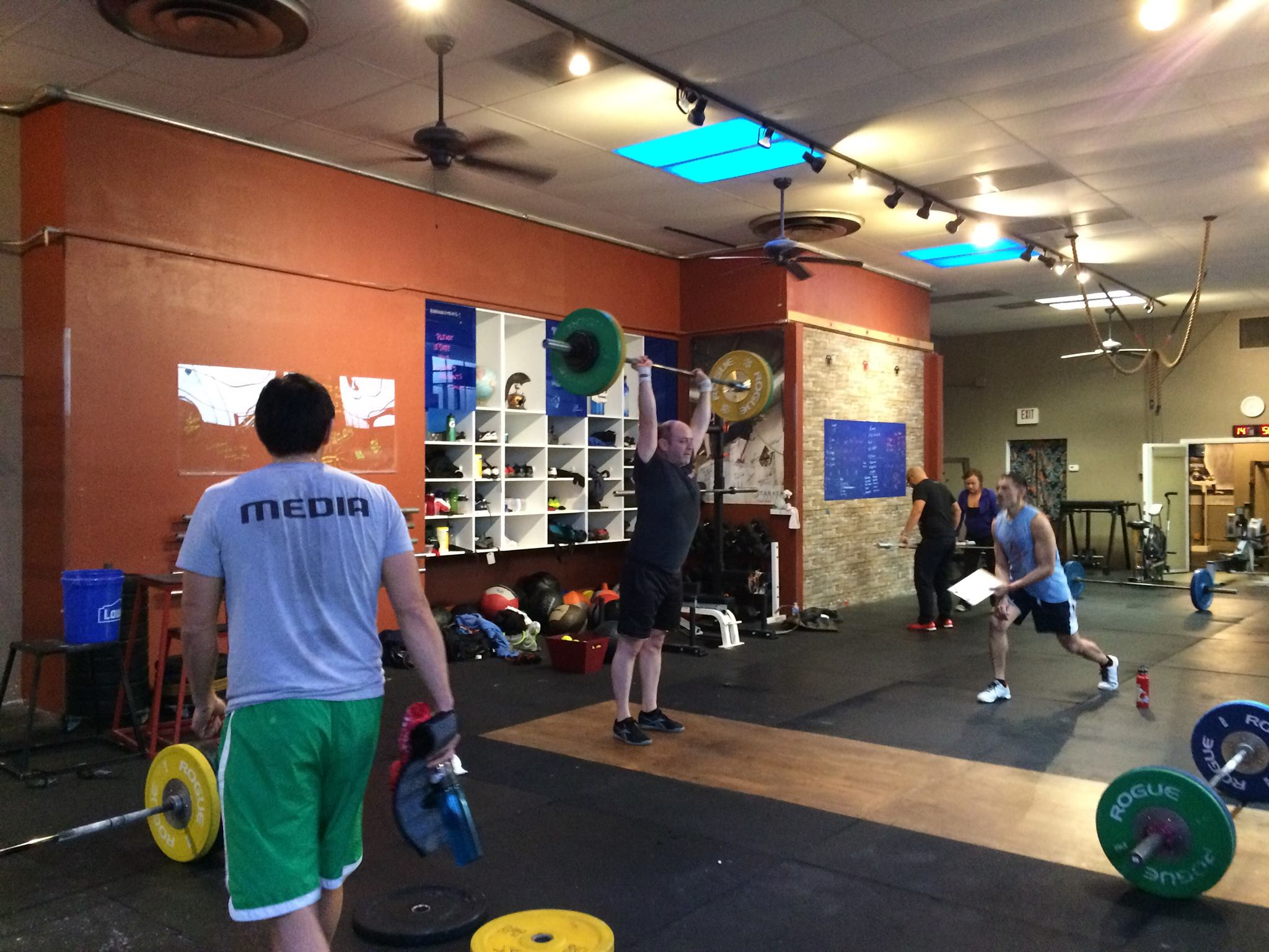 15.1 going down at CFSV.The SV Breakfast Club cleanand jerks at the crack of dawn. Thank you for judging, helping and cheering each other on. The Open brings us closer together again!