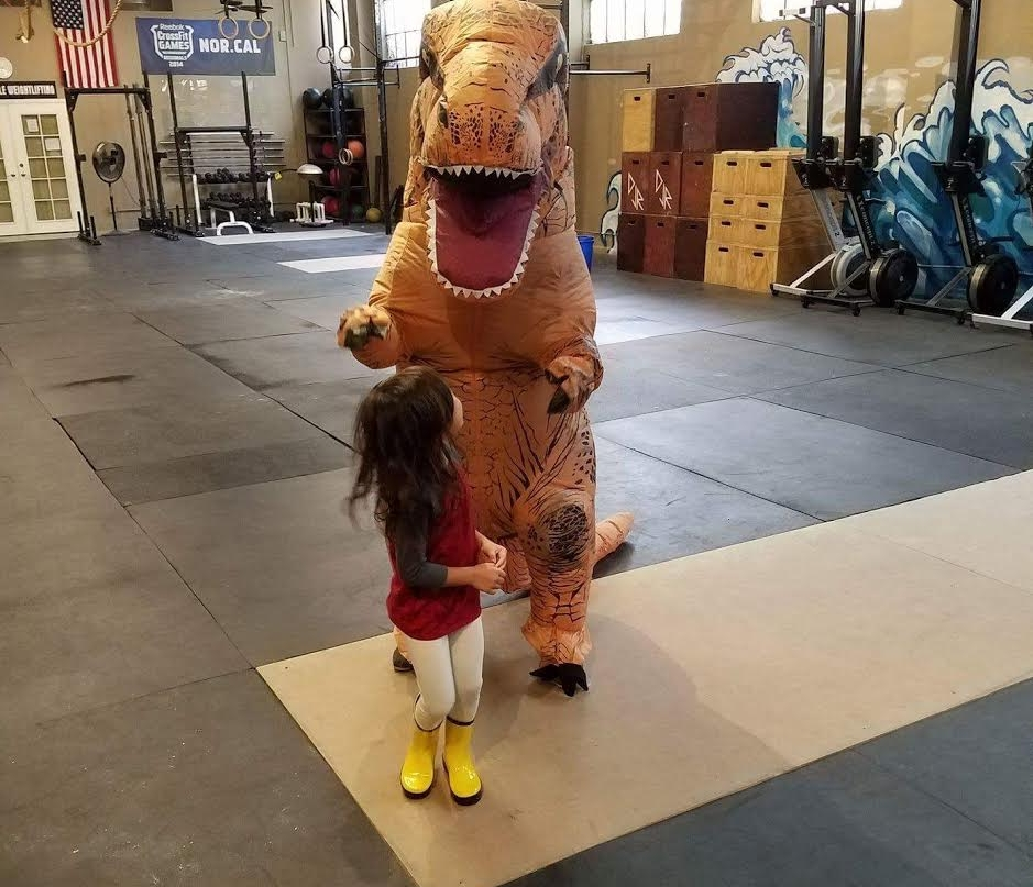 Come hang out at the box from 3PM till evening. We will be passing out candy and lounging before or after the workout. Costumes not required but encouraged! :-)
