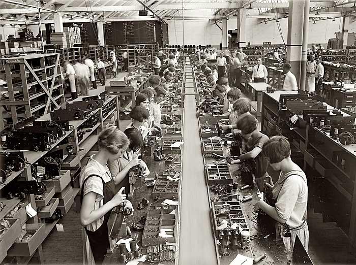 """Radio Factory-women in Labor,""  Union to Disunion , accessed December 30, 2018"