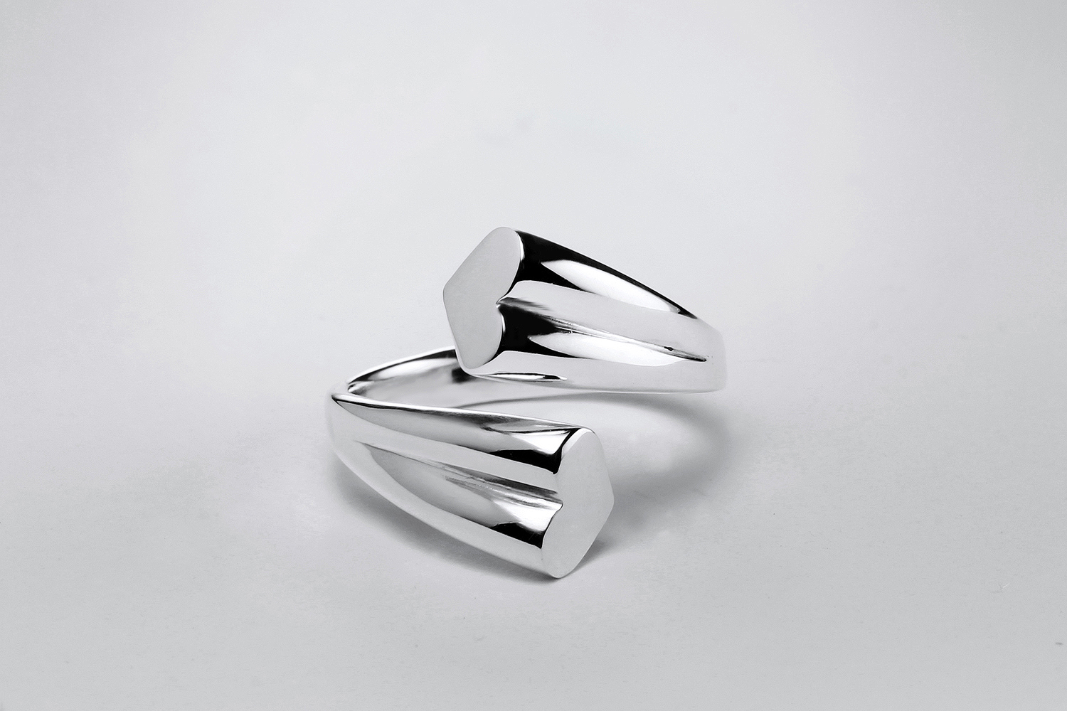 LOVE ring. Sterling silver and rhodium plated finish.