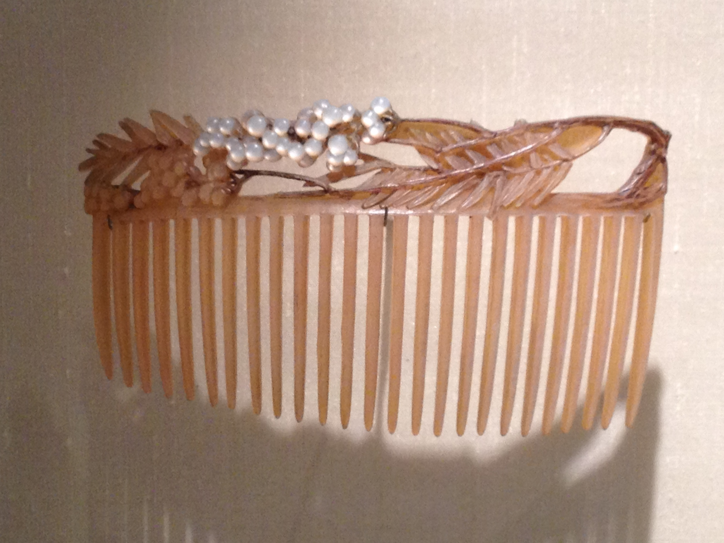 "Rene Lalique ""Pepper Tree Branch"" hair comb c 1903-1904 Horn and mother-of-pearl"