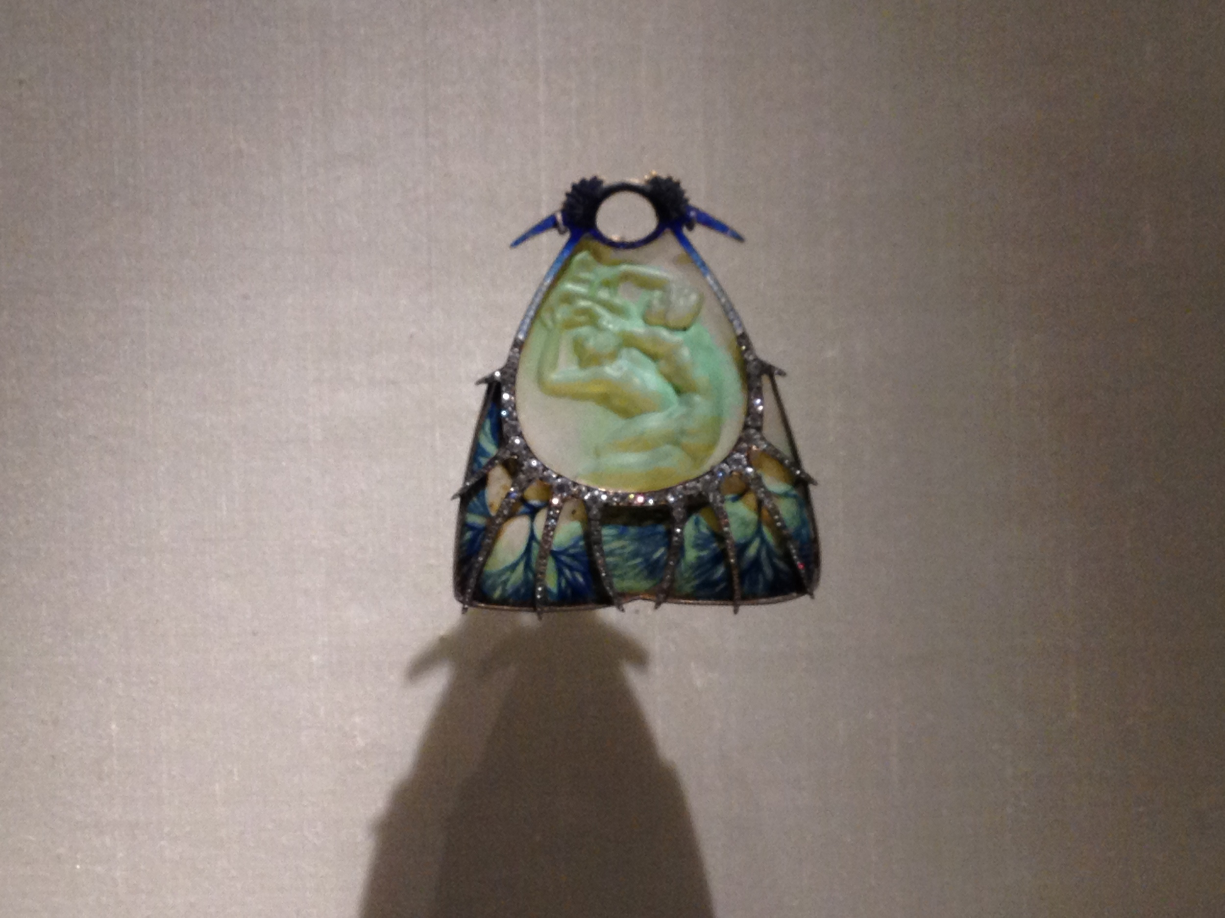 "Rene Lalique ""Water Nymphs"" pendant c 1900-1902 Gold, glass, enamel and diamonds"