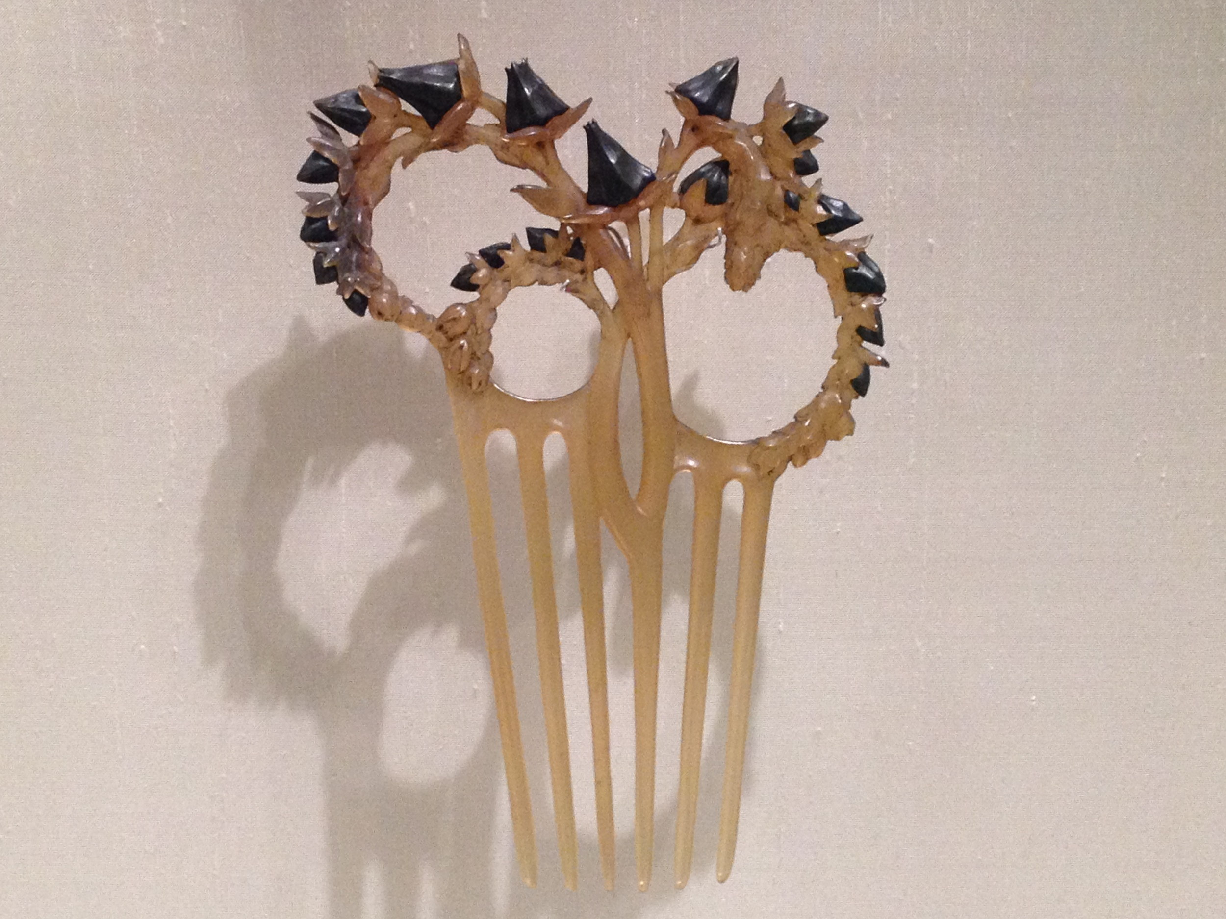 "Rene Lalique ""Thistle Stalks"" comb c 1902 Horn and silver"
