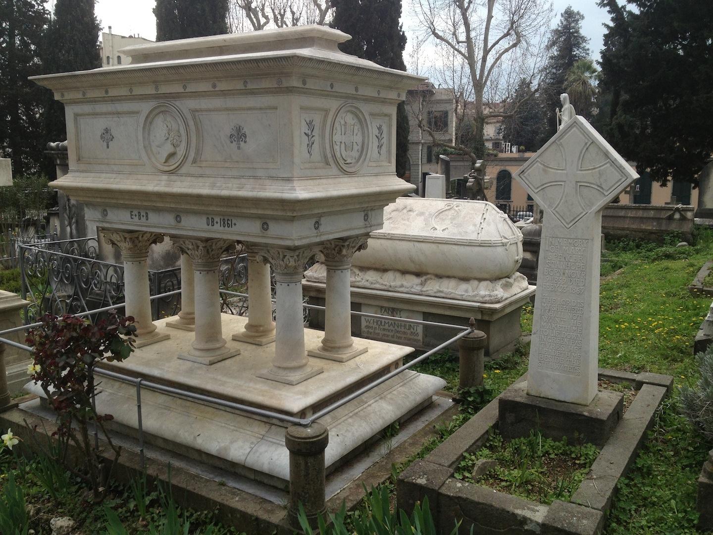 Pre-Rafaelite-Tomb-English-Cemetery-Florence-Hunt-jessewaugh.com-2.jpg