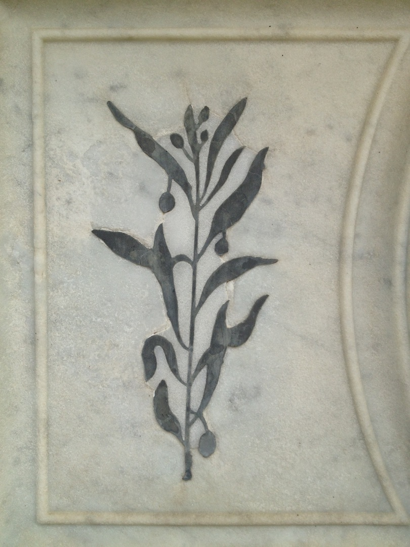 Pre-Rafaelite-Tomb-English-Cemetery-Florence-Hunt-jessewaugh.com-17.jpg