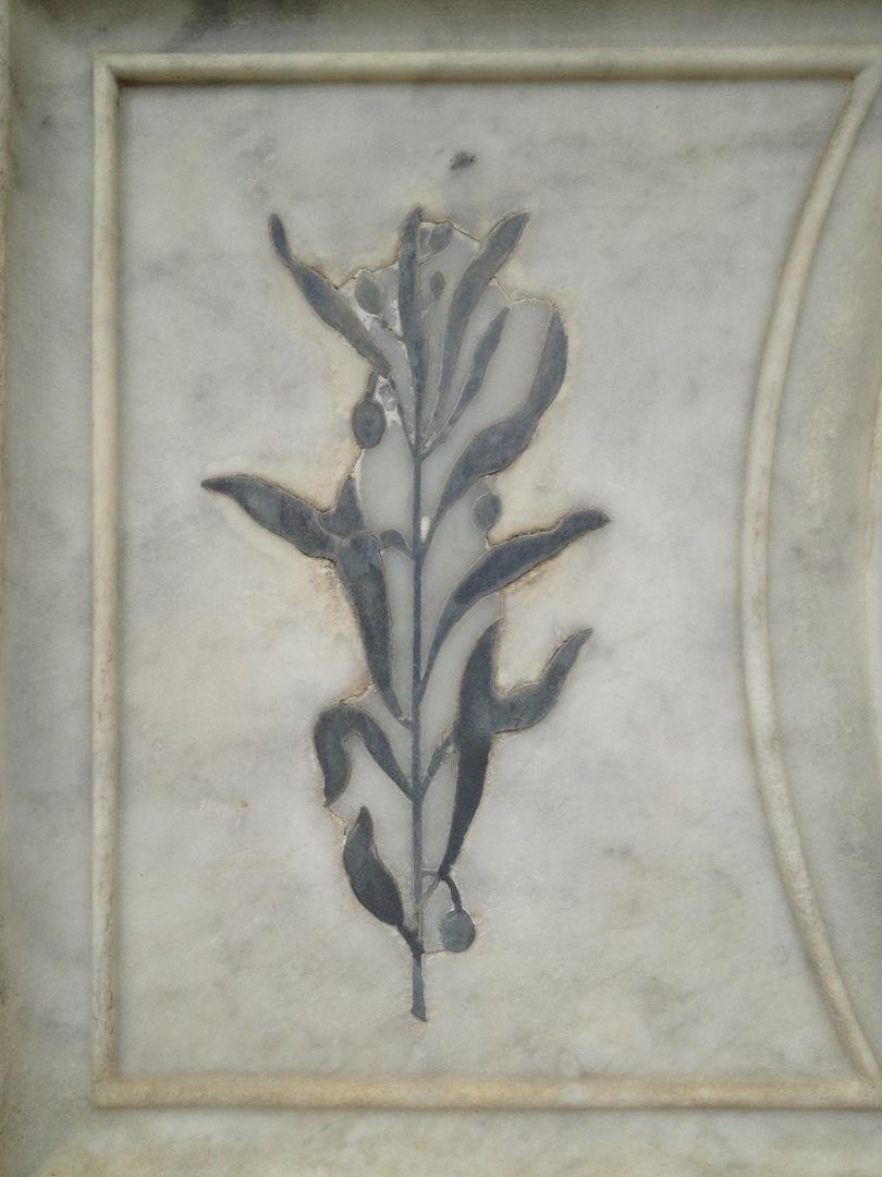 Pre-Rafaelite-Tomb-English-Cemetery-Florence-Hunt-jessewaugh.com-34.jpg