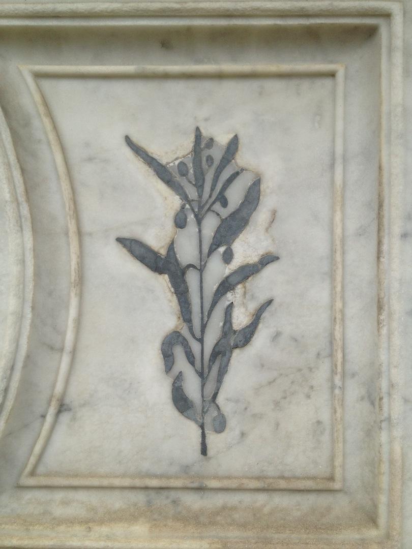 Pre-Rafaelite-Tomb-English-Cemetery-Florence-Hunt-jessewaugh.com-35.jpg
