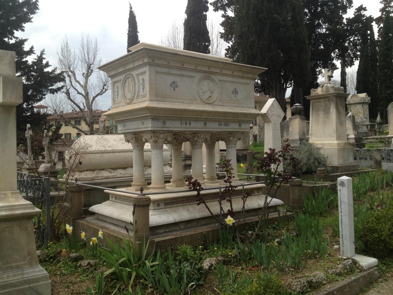 Pre-Rafaelite-Tomb-English-Cemetery-Florence-Hunt-jessewaugh.com-42.jpg