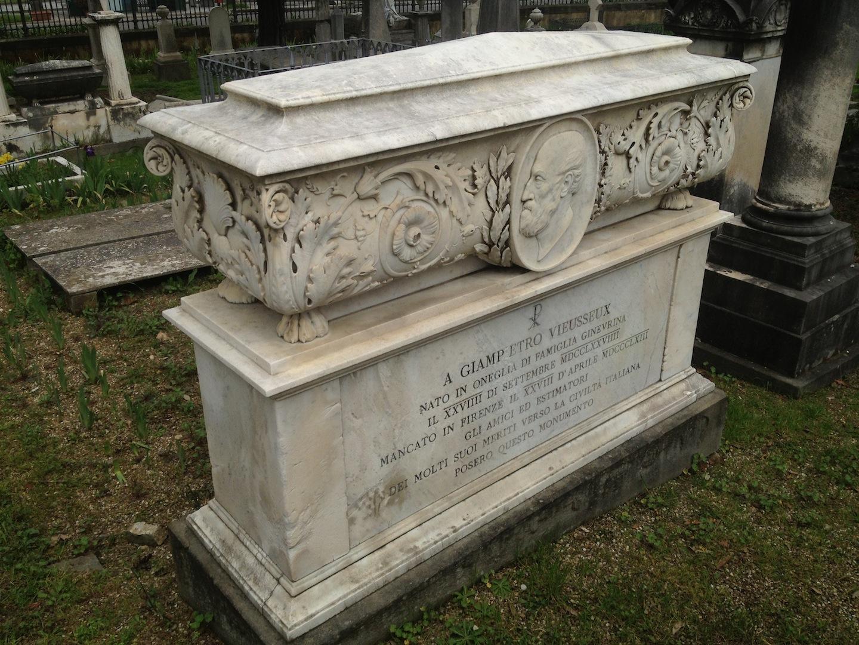 Pre-Rafaelite-Tomb-English-Cemetery-Florence-Hunt-jessewaugh.com-43.jpg