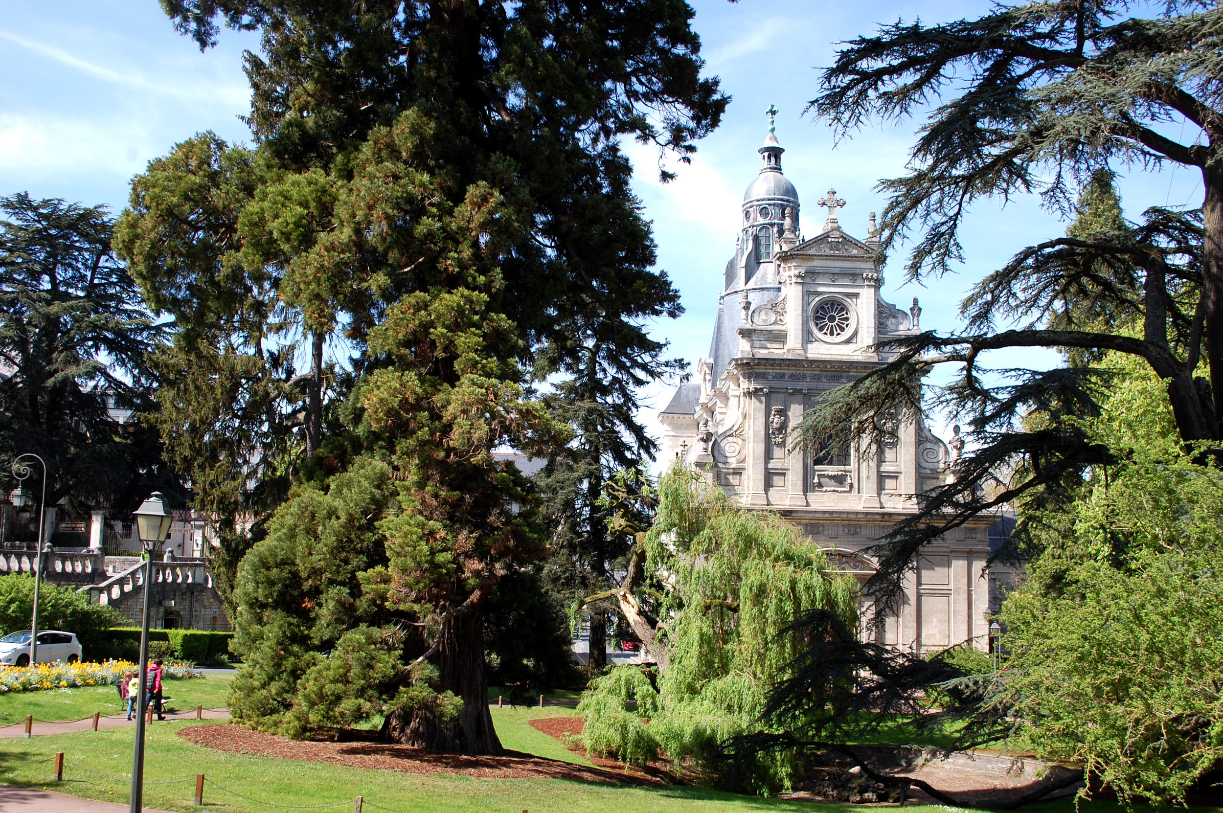 Blois park and church