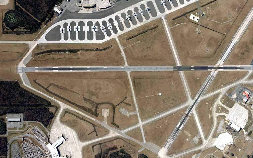 Runway 03-21.jpg