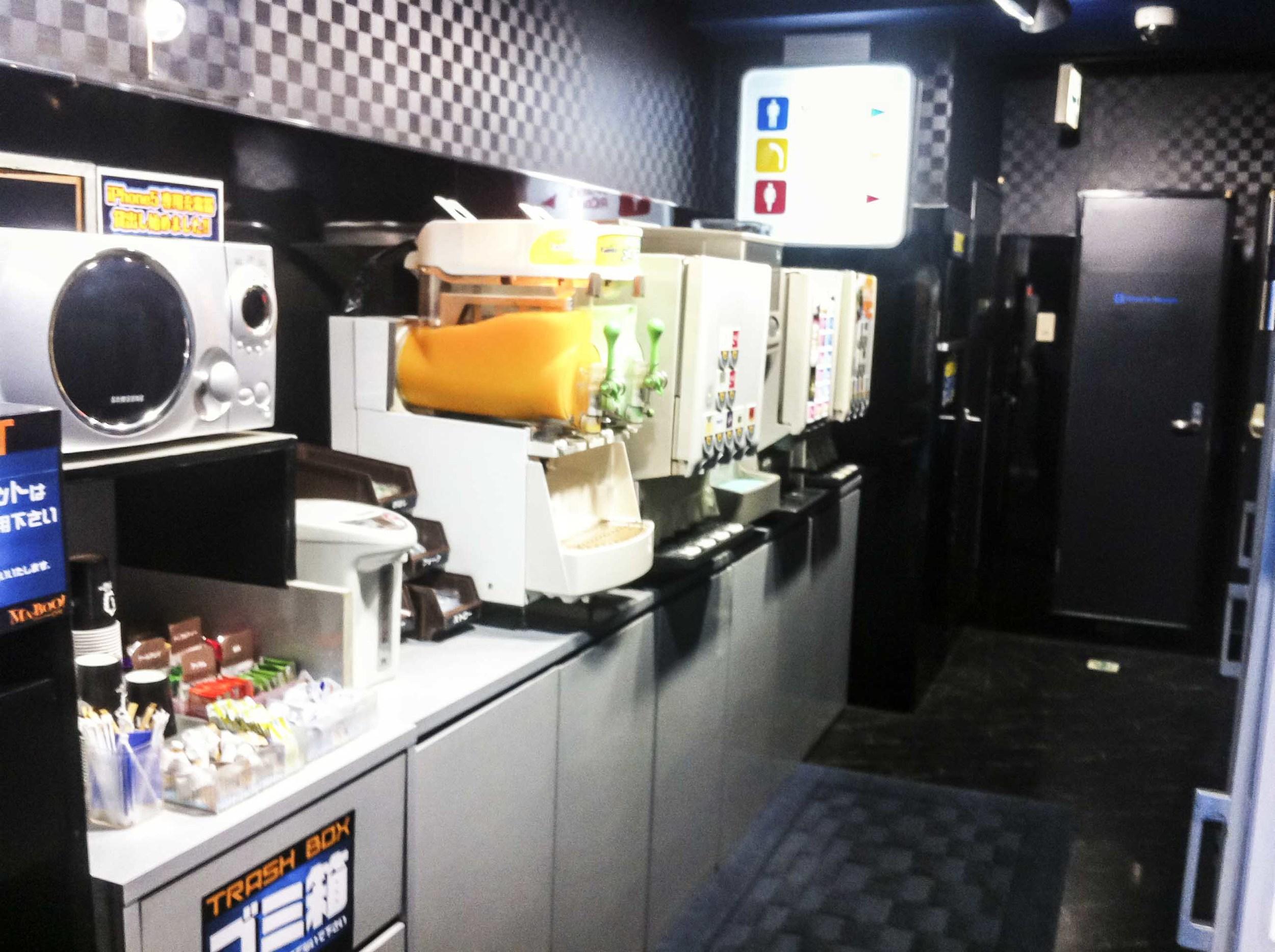 küchen:getränke-bereich copy.jpg