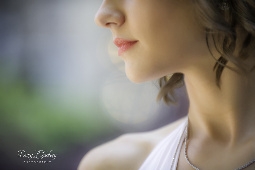 I didn't take many of the models myself mostly because I wanted to observe Jasmine and learn as much as possible. But the light here was so beautiful and the bokeh effect in the back was too awesome not to shoot this closeup.