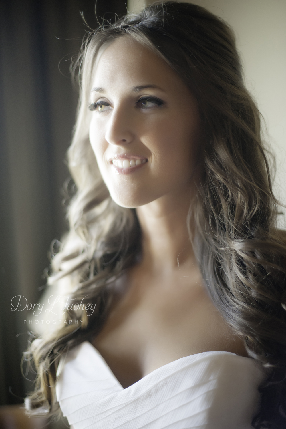 Melissa is so beautiful! The natural light coming into their room as she was getting ready was too much. LOVE!