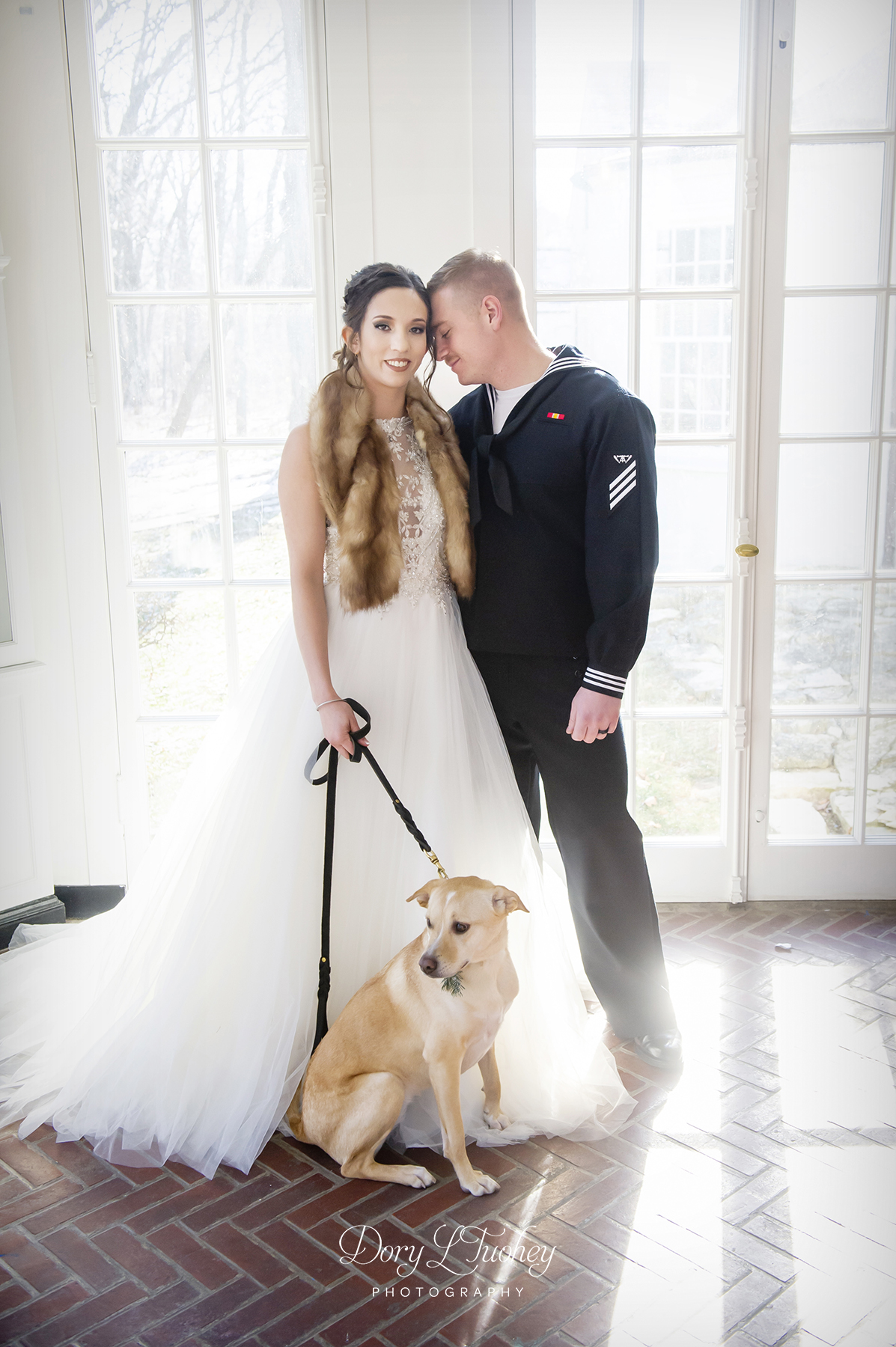 Adler_center_wedding)libertyville_dog_winter_new_years_bride_groom_dory_02.jpg