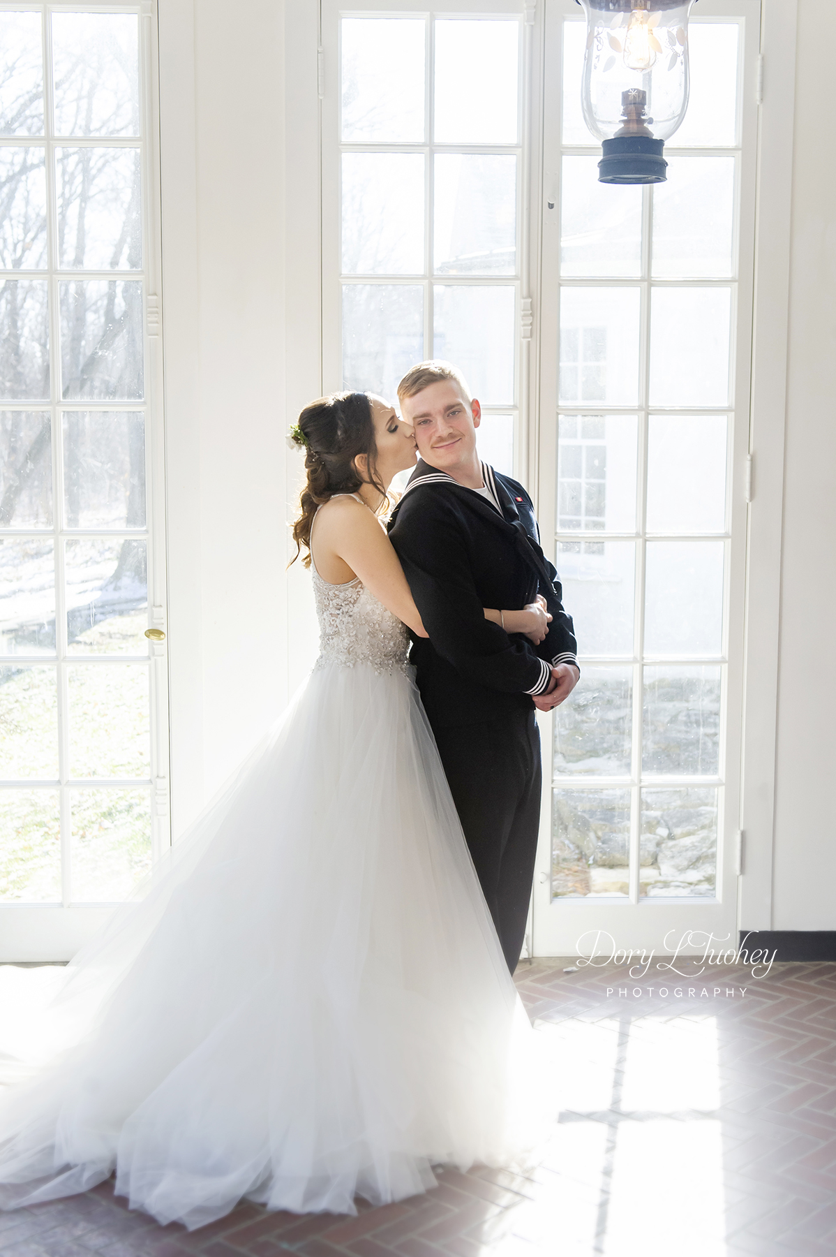 Adler_center_wedding)libertyville_dog_winter_new_years_bride_groom_dory_navy_07.jpg