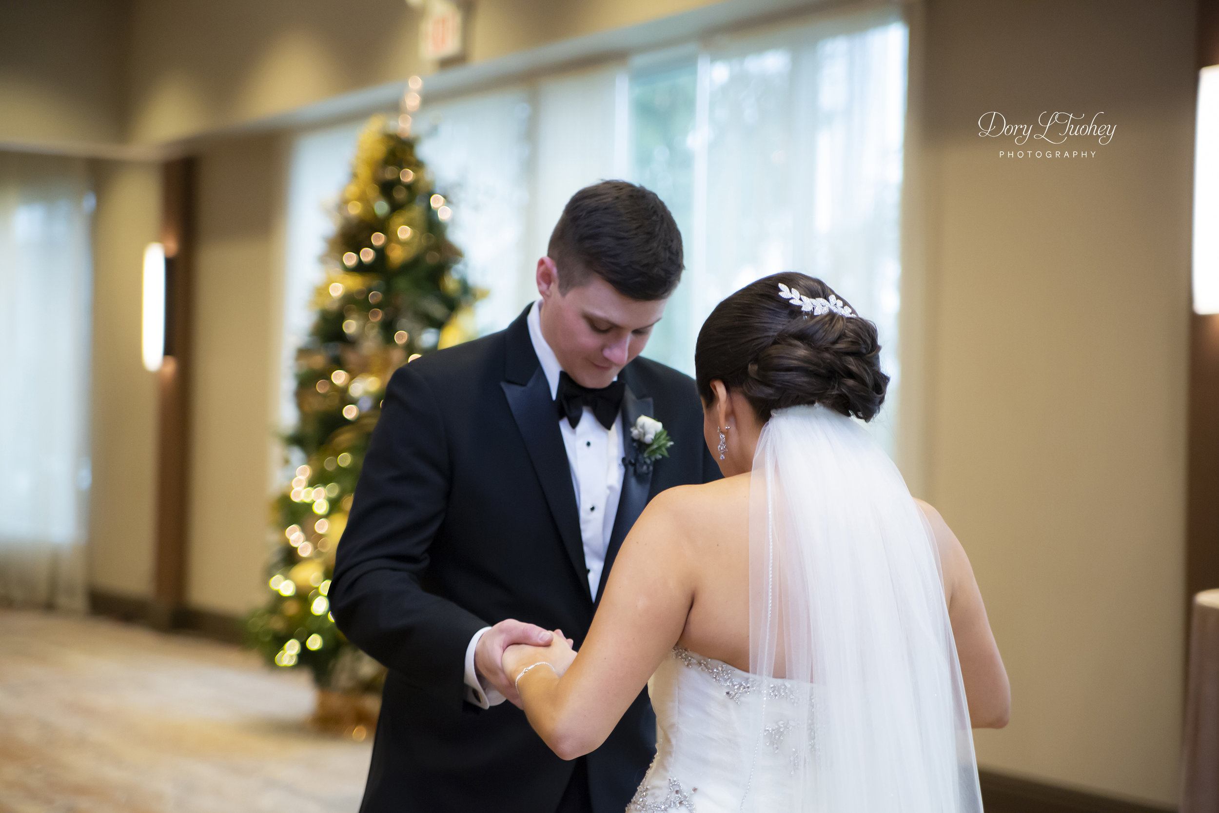 Burr_ridge__wedding_marriott_dory_photographer_illinois_gold_new_years_eve_nye_09.jpg