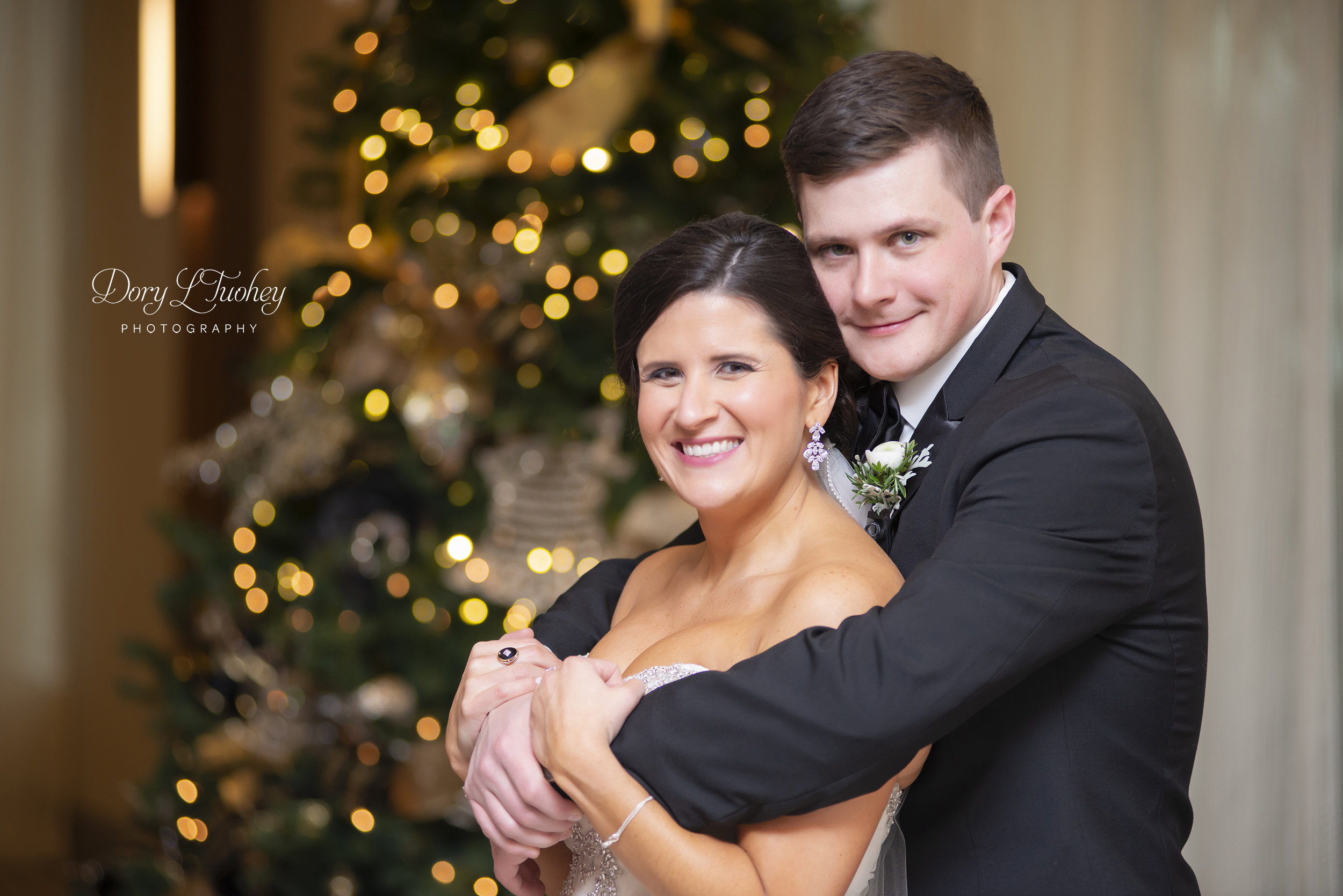 Burr_ridge__wedding_marriott_dory_photographer_illinois_gold_new_years_eve_nye_14.jpg