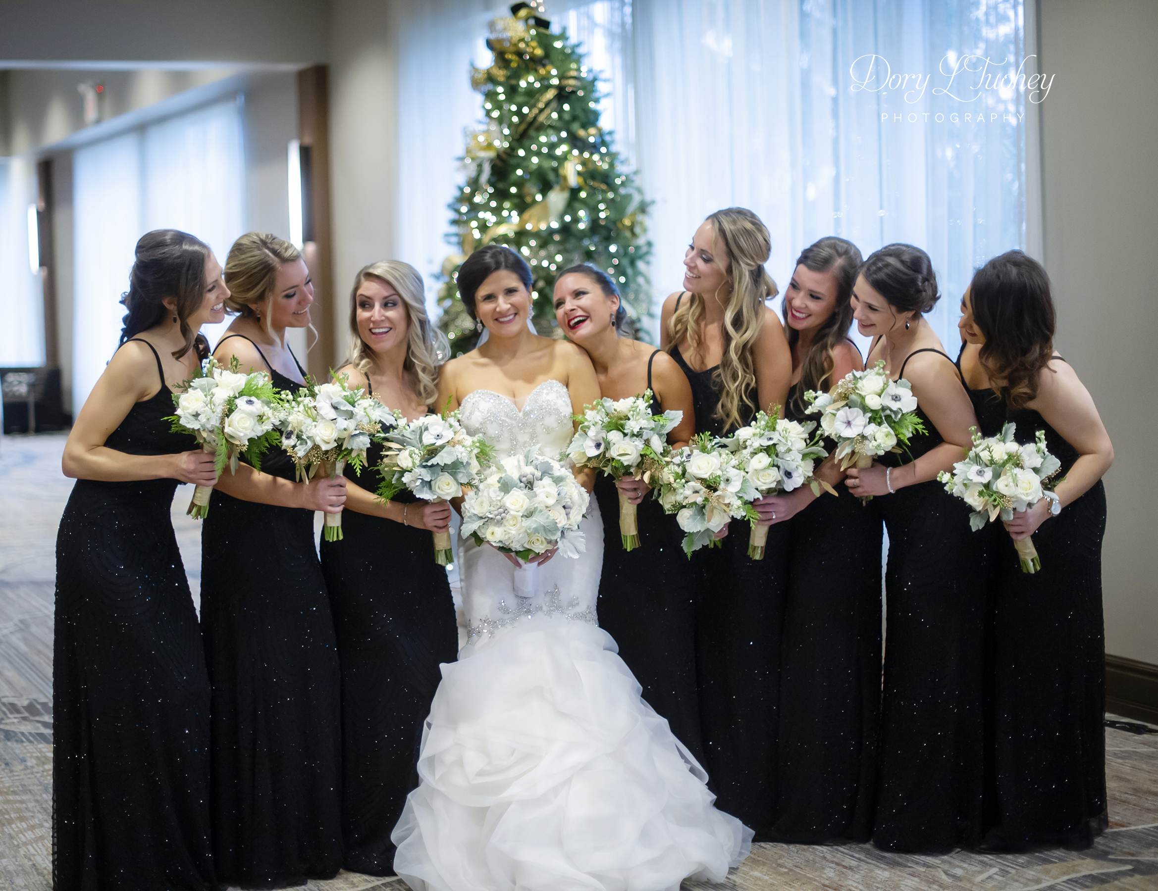 Burr_ridge__wedding_marriott_dory_photographer_illinois_gold_new_years_eve_nye_15.jpg