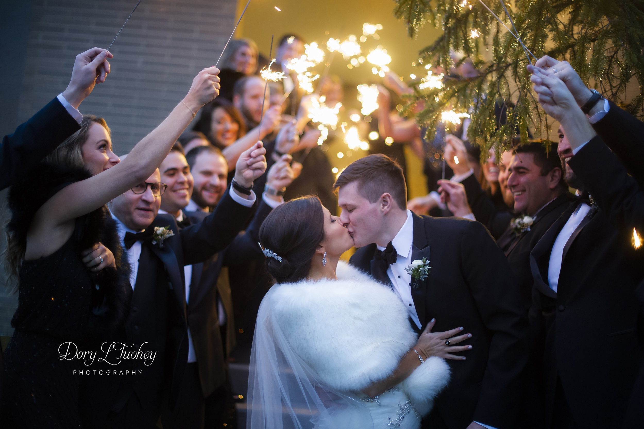 Burr_ridge__wedding_marriott_dory_photographer_illinois_gold_new_years_eve_nye_sparklers_22.jpg
