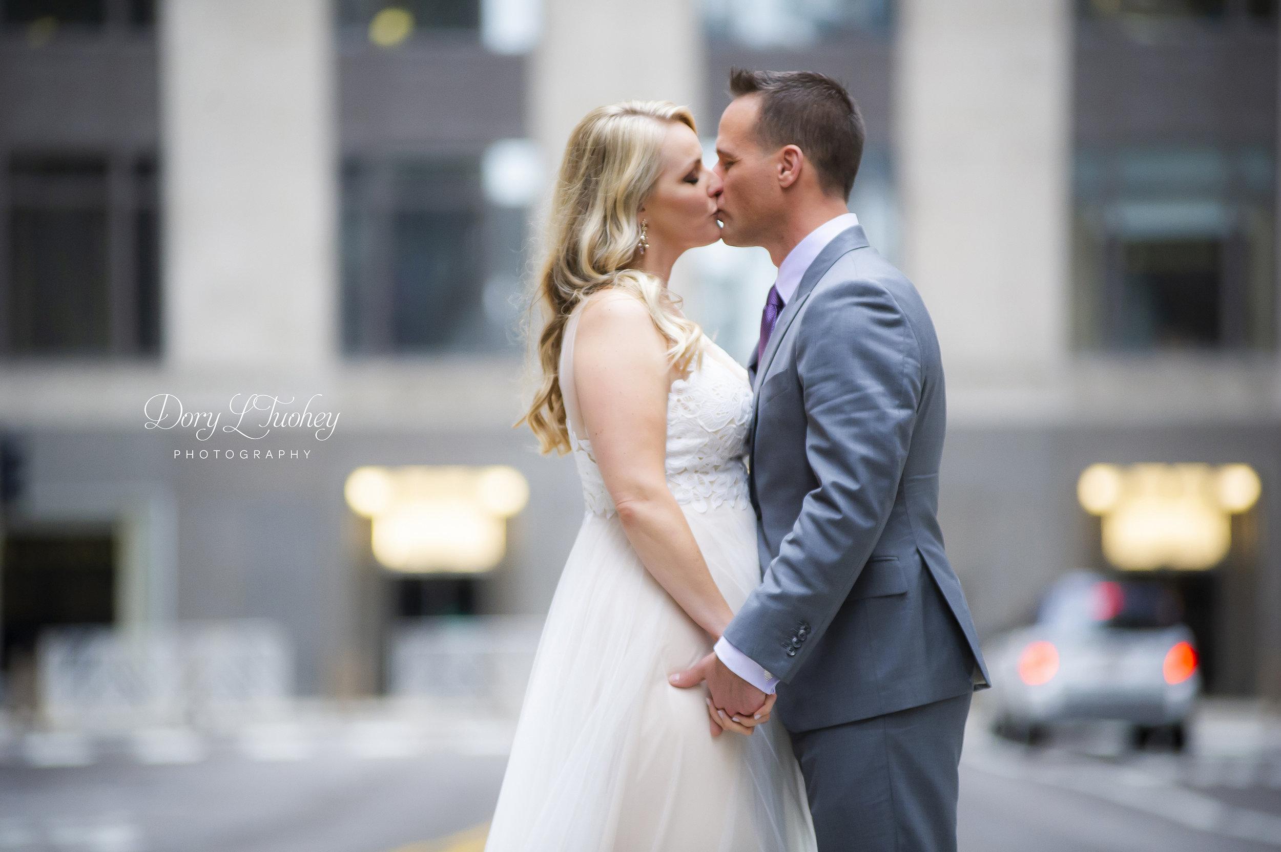 Rookery_chicago_dory_photographer_wedding_stairs_bhldn_love_dawson_06.jpg