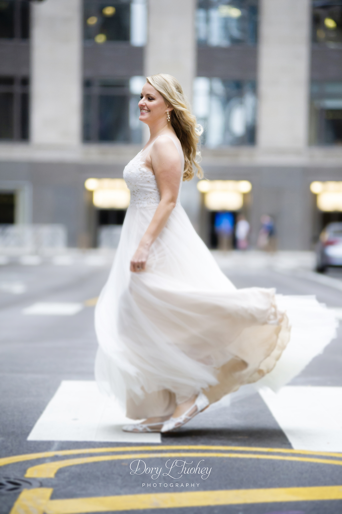 Rookery_chicago_dory_photographer_wedding_stairs_bhldn_love_dawson_08.jpg