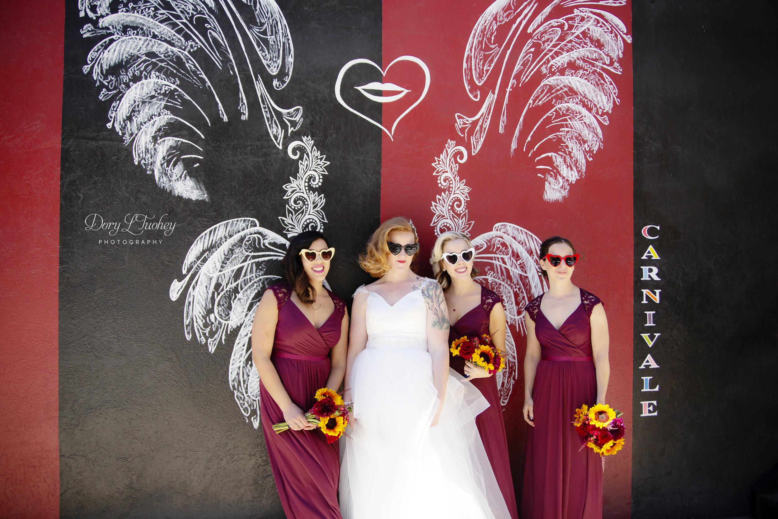 Carnivale_chicago_dory_wedding_vintage_bride_red_lips_paint_mural_groom_08.jpg