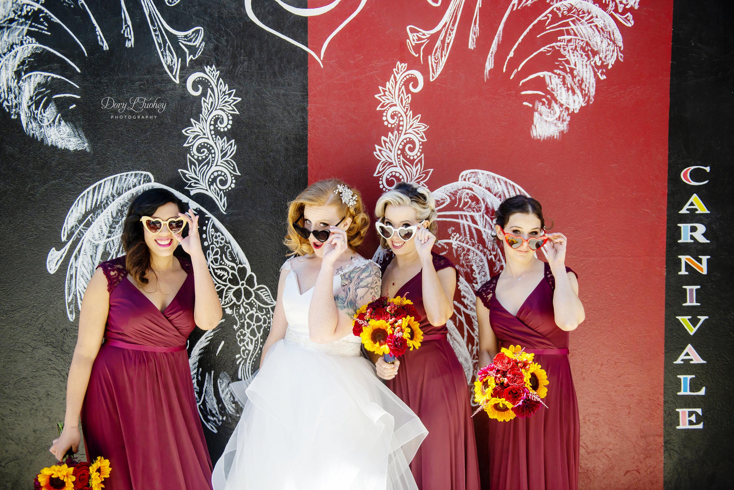 Carnivale_chicago_dory_wedding_vintage_bride_red_lips_paint_mural_groom_10.jpg