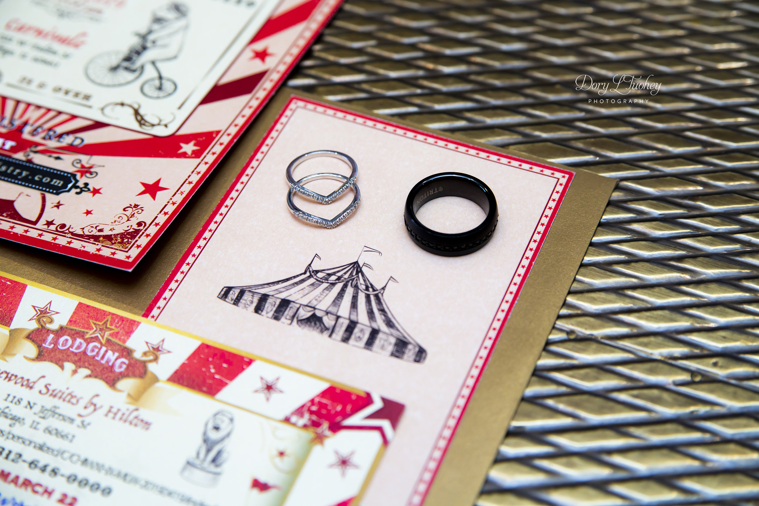 The rings with the invitation collection designed by the groom himself.
