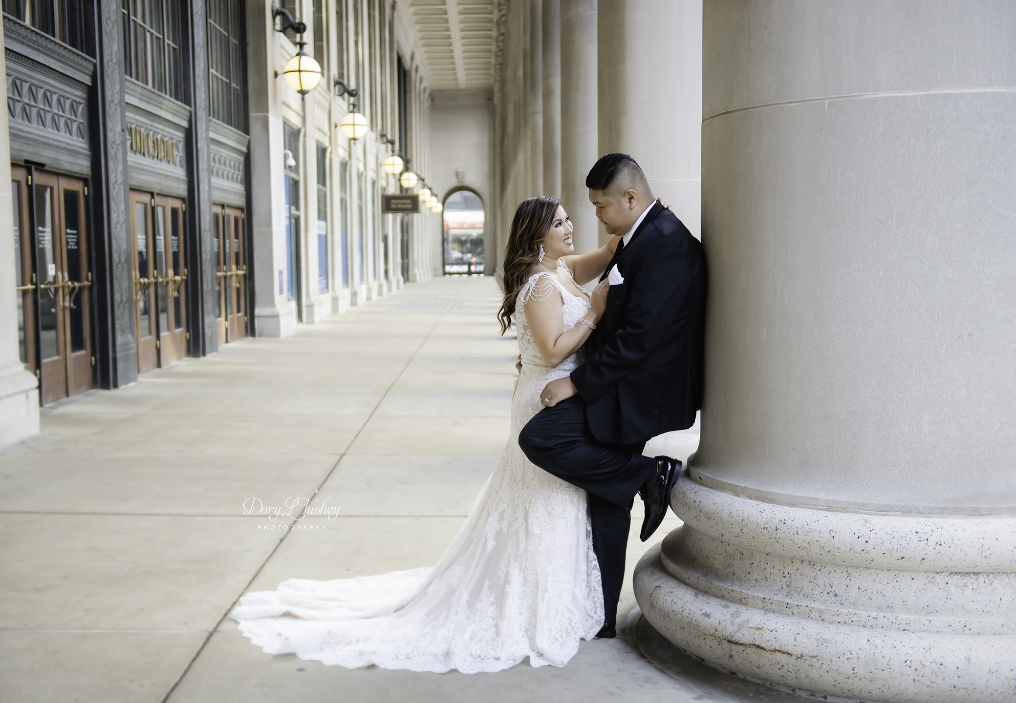 Chicago_wedding_photographer_bride_union_station_laos_thai_dory_01.jpg